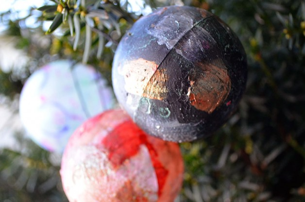 {Creativity In Motion} video: Christmas tree ornaments with ColourArte