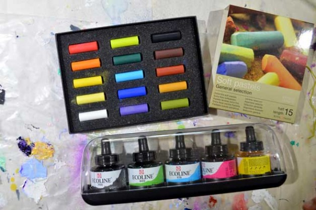 Monday Art Supply Junkie: discovering Ecoline watercolours and Rembrandts soft pastels
